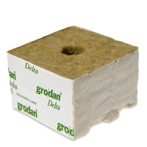 Kamena volna 10 x 10 x 6,5 cm majhna luknja